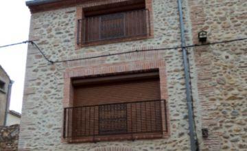 Rénovation de façade en cayrou à Peyrestortes (66)