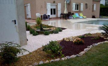 Piscine, arrosage automatique  et jardin méditérannéen au Soler (66)